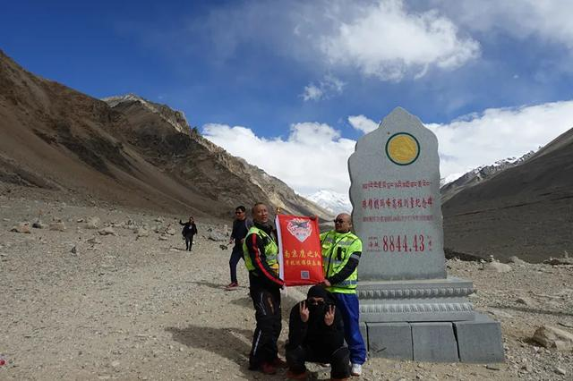 新疆、西藏之旅,四个人、九个轮子、二十八天!