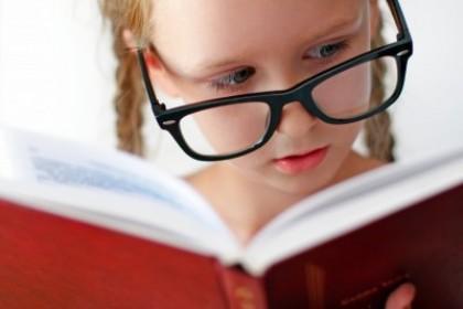 小孩戴不戴眼镜,不是爸妈能控制的,快来看看吧