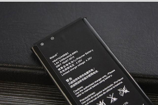华为P40配置外观首曝:2K双曲面+5500毫安石墨烯电池