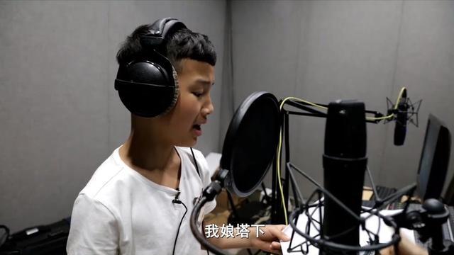 《小戏骨白蛇传》许仕林得知父亲许仙在出家修行,哭... _网易视频