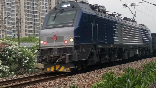 上局宁东段HXD2B型电力机车回送济局西段HXD3CA型电力机车802...