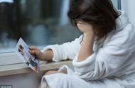 老婆和前男友分手后,将他们的聊天记录,在手机里保存了三年