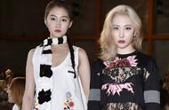 Guan Xiaotong sees excellent model, scarf collocation gets it is a long story