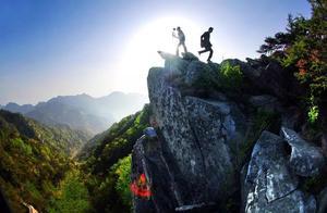 仿写句子例A像山峰只有努力攀登才能达到山高我为峰的境界