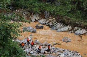广西凌云县特大自然灾害已致8死多伤 仍在搜救失联人员