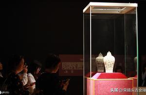 """南京博物院:镇馆之宝国宝级文物受""""追捧"""""""