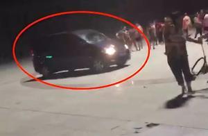 再扰民直接撞死!男子开车直撞广场舞队伍,还发言恐吓