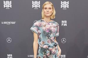 2019年柏林时装周的里亚尼时装秀,春装走秀