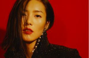 中国模特之光!31岁刘雯入选2010S超模,名单中唯一亚洲面孔