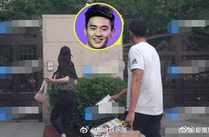 宁泽涛被目击带女友回家,女方身份显赫,座驾竟是劳斯莱斯