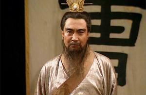 此人献上十条妙计,曹操仅用一条就攻克城池,事后却说必须杀掉他