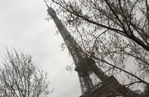 在塞纳河上,解读古老巴黎的繁华与鼎盛、落没与沧桑、历史与人文