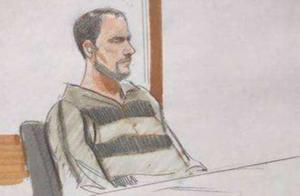 克里斯滕森父亲现身庭审现场 面对追问拒绝道歉