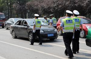 迎夏季旅游高峰 定海专项整治非法营运车辆
