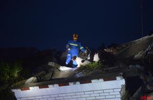遗憾!宜宾双河葡萄村7岁男童被救出 医生当场宣布死亡