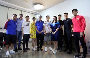几代弟子同台,徐根宝携武磊范志毅等参加节目录影