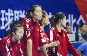 中国女排3比0德国 朱婷休战 郎平悉心指导+张常宁暴扣+集体庆祝