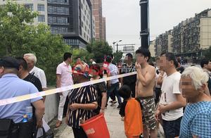悲剧!今早杭州一环卫工人河边作业时不慎落水身亡,儿子失声痛哭