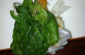 当客人在饭菜中吃出虫子,头发等异物如何来解决