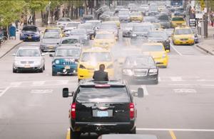 速度与激情:2.4亿美金的投资,这段精彩毁车镜头能用一大半!