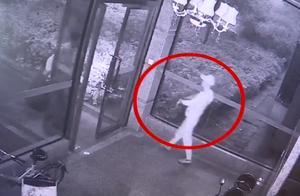小偷爬上30楼连盗4户 后戴着价值10余万的劳力士打麻将被抓