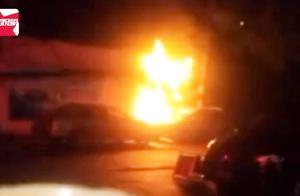 女子发烧不退迷信偏方烧纸治病 ,结果一把火把别人车烧了