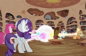 小马宝莉:紫悦领略到友谊的魔力,她和小伙伴都爆发出强大的力量