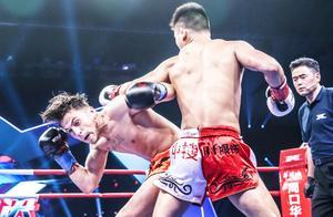 位宁辉惨遭铁脚踹脸膝撞裆,打红眼飞膝撞头铁拳摧肋暴打欧洲拳王