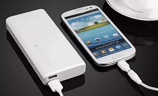 我的智能手机只有充电宝可以充进去电,这是为什么?如何解决