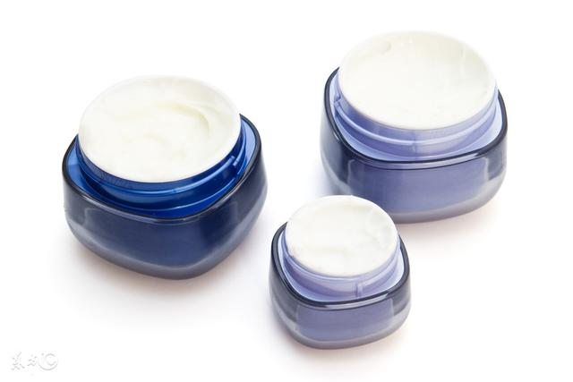 大家能给推荐一下适合婴幼儿的润肤霜,哪些比较好用?宝宝不到两个月,脸干燥湿疹