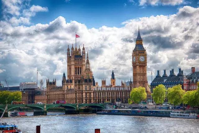 【天翔航空职业技能培训】大专、自考、成教生怎样申请英国硕士留学?