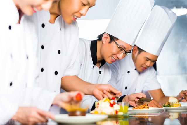 【汽车检测站技能培训课】学餐饮技术要去哪里学?哪里有厨师培训班,厨师速成班