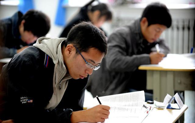 【河南水利技能培训费】为什么湖北有近19万人选择成人高考?