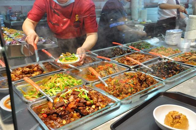 【怎样进行测绘技能培训】中式快餐、大食堂、菜肴推销技能训练!