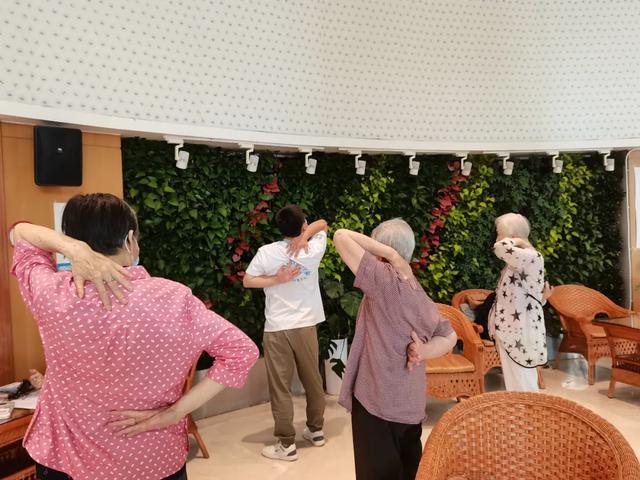 【技能培训费】老年健康促进活动在新华家园长者公寓开课啦