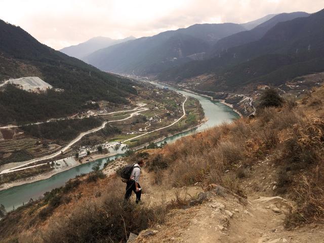 你一年四季云南值得去的景点,写下这份虎跳峡徒步行程