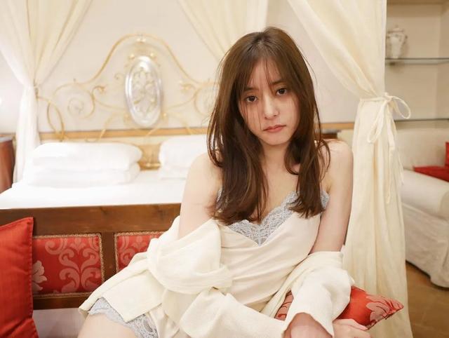 打败新垣结衣的日本神颜美少女,这大长腿有内味儿了…