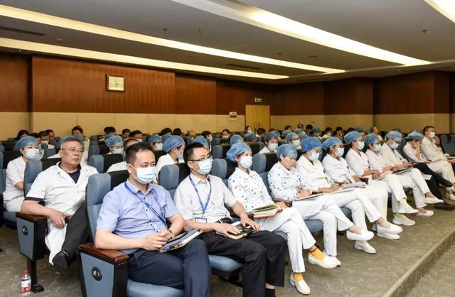 区一医院医共体总院召开 2020 年党风廉政工作暨清廉医院建设推进会