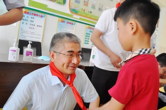 阜阳市妇女儿童医院走进三塔集镇校园开展「六一」儿童节慰问活动