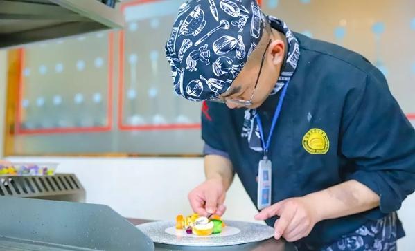 【化验室安全操作技能知培训】学西餐去哪好 陕西新东方西餐课堂了解一下