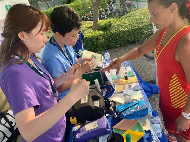 和睦家急诊科娄莹医生为网球赛事提供医疗支援