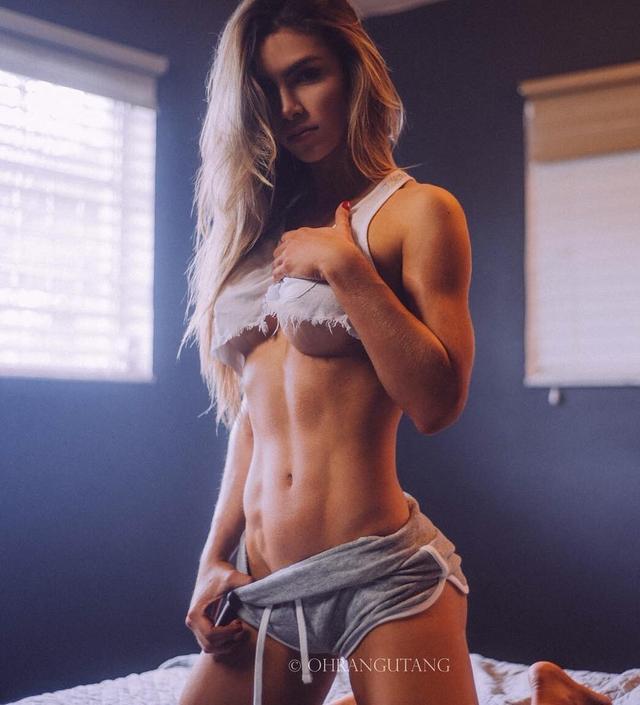 这个33D、八块腹肌的健身女神,我做梦都想和她一起撸铁...