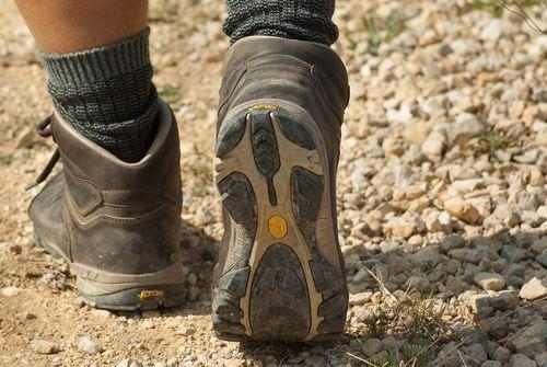 登山鞋怎么选?第一次买登山鞋不可不知的6个挑选重点
