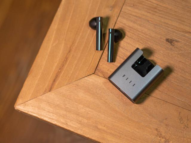 FIIL T1 XS评测:汪峰做了款500元内、爽感爆表的运动无线耳机