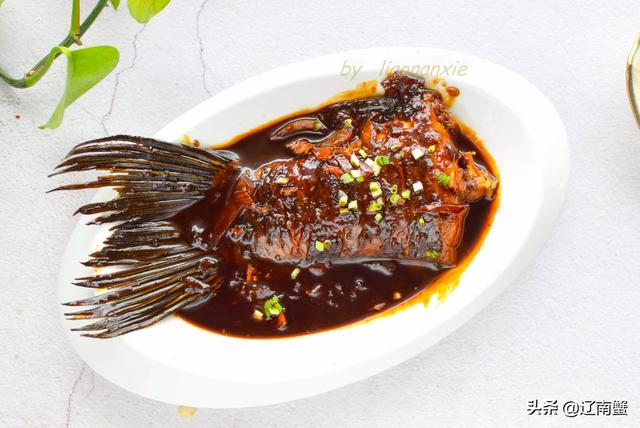 青鱼尾巴怎么做好吃,青鱼尾巴的吃法?