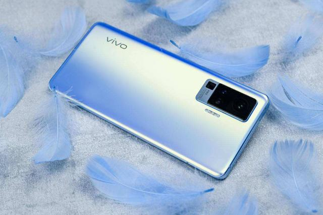 vivo又放大招!iQOO Z1x将搭载120Hz高刷屏,中端机也超大杯!