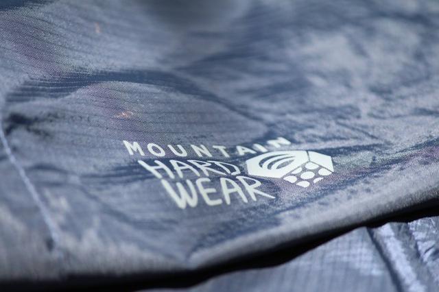 山浩Mountain Hardwear冲锋衣和冲锋裤实测,陪你走湿路