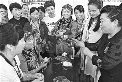 【高层管理技能培训有哪些课程】甘南州卓尼县妇联组织人员来到庆城县开展刺绣制作学习交流