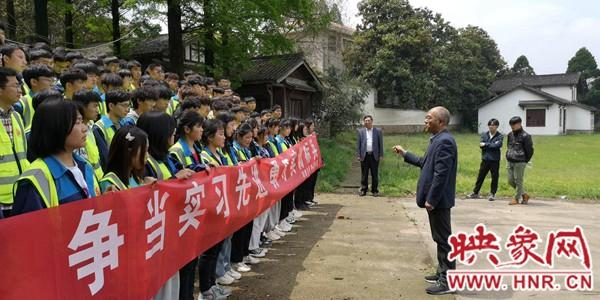 河南交通技师学院土木工程系学生测量综合实训圆满完成