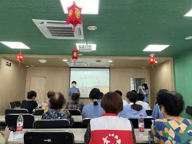 【业务员业务技能培训会】这所职业院校利用暑期走访杭城的劳模工匠新农人 为职教劳动教育踏出一条新路